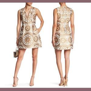 NWT $550 Alice + Olivia Patty Deep V-Neck Dress 8